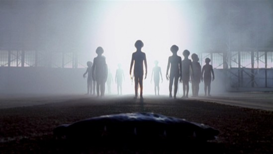Grey Alien Surrender - The X-Files - 6x12 - One Son